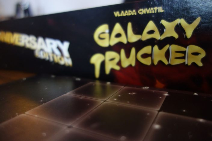 Die deutsche Anniversary Edition des Board Games Galaxy Trucker von Vlaada Chvatil