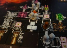 Ein fertiges Raumschiff vom Board Game Galaxy Trucker vom Autor Vlaada Chvatil